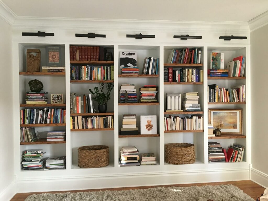 styling bookshelves